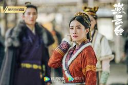 Xa Thi Mạn đẹp hút hồn trong loạt ảnh hậu trường 'Yến Vân Đài'