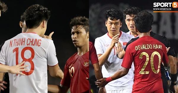 Fans hả hê nhìn Thành Chung xử cầu thủ ngổ ngáo của Indonesia chỉ bằng một cái chỉ tay-1