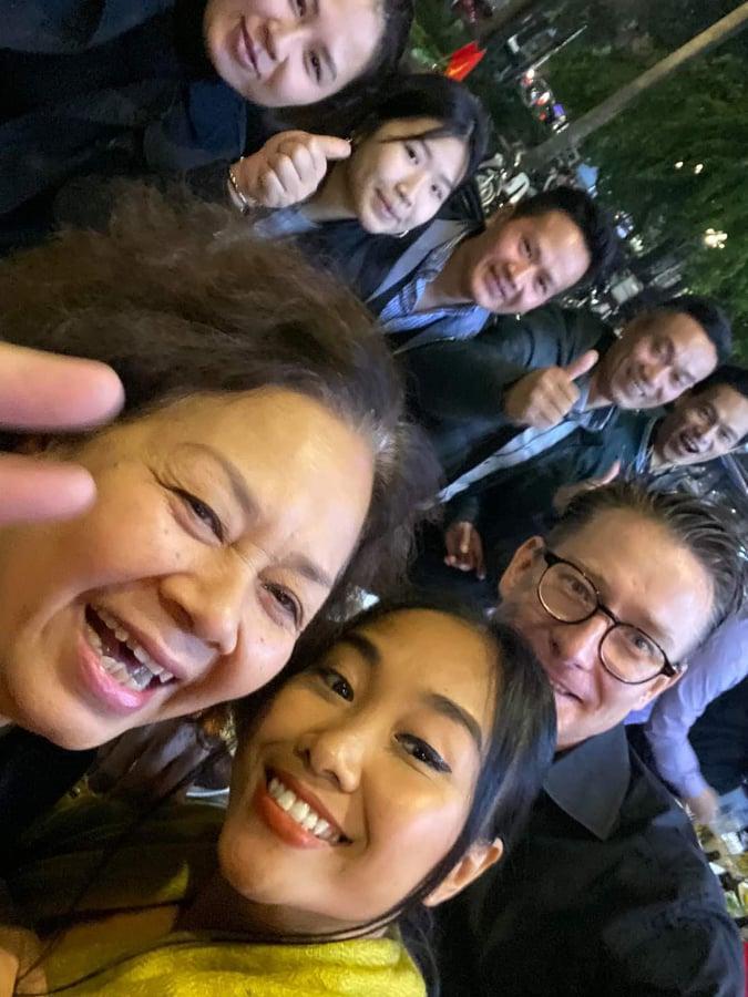 Sao Việt xuống đường ăn mừng bão vô địch: Huỳnh Lập nổi nhất phố với gương mặt dày cộp phấn son-5