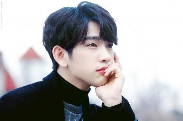 Những gương mặt đẹp nhất được bình chọn bởi idol Kpop-4