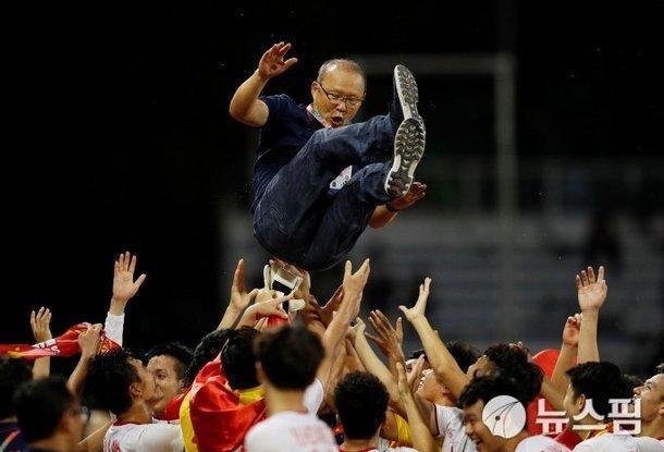 Báo Hàn: U22 Việt Nam có vũ khí lợi hại, thầy Park mưu là thành-3