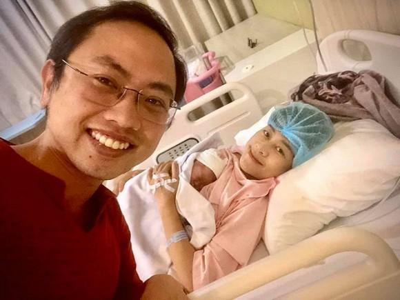 MC Phí Linh hạ sinh con đầu lòng ngay ngày Việt Nam vô địch SEA Games-1