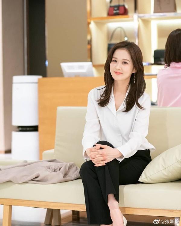 Hãy như Jang Nara: Mải mê tìm tiểu tam mê hoặc chồng nhưng vẫn không quên diện đồ công sở đẹp mê mẩn-3