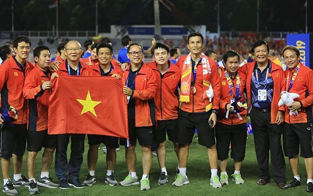 HLV Park từ chối nhận huy chương vàng SEA Games 30 và tặng lại cho một người đặc biệt-1