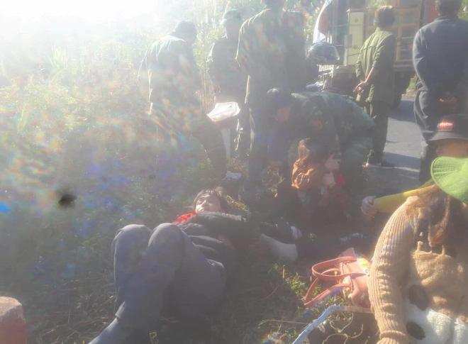 Hiện trường thương tâm vụ xe chở đoàn người khuyết tật đâm vào vách núi ở Nghệ An-7