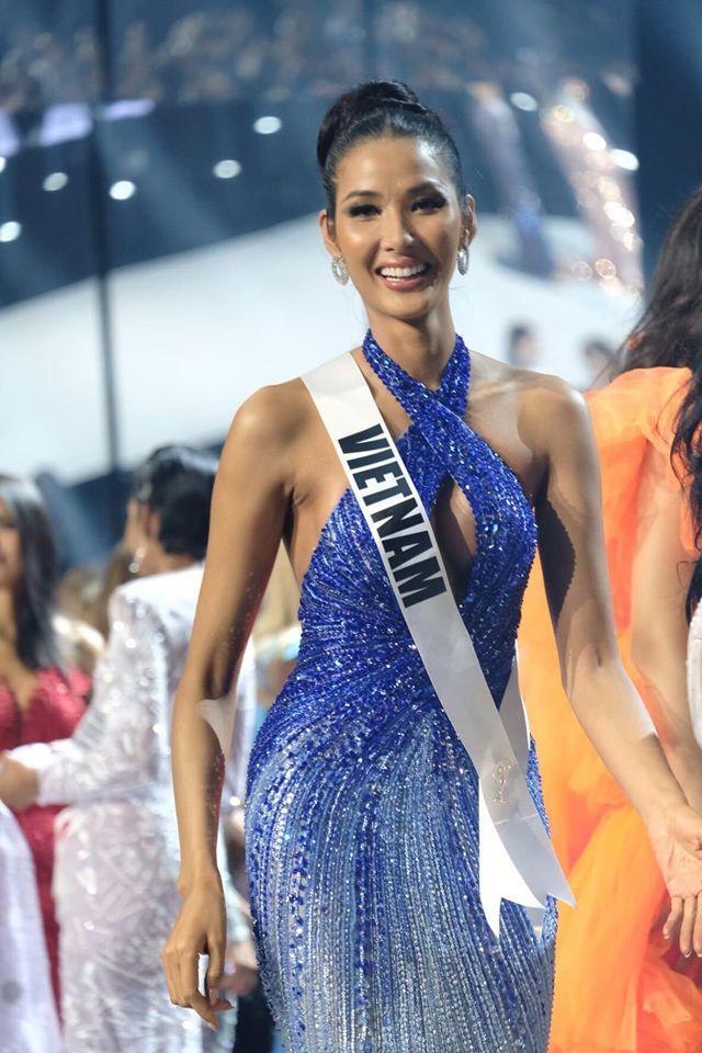 Ảnh hiếm của Hoàng Thùy tại chung kết Miss Universe 2019: Diện đầm đẹp nhưng không có cơ hội catwalk-5