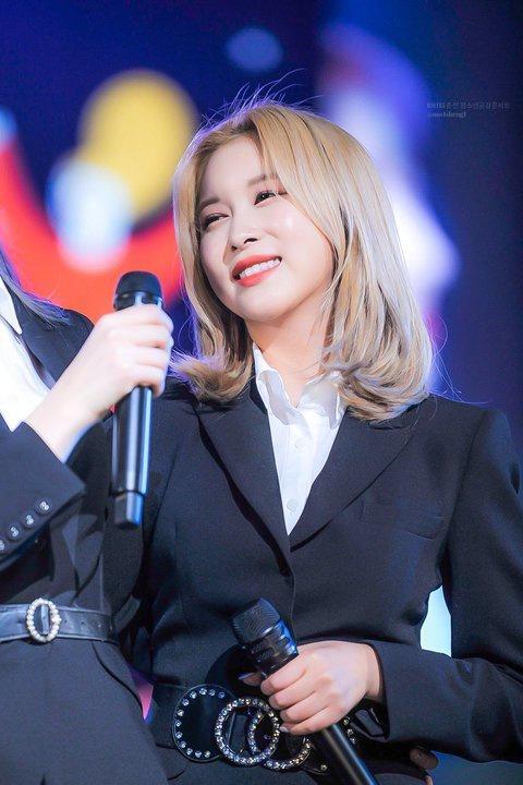 Rosé và dàn mỹ nhân Hàn lên đời nhan sắc nhờ nhuộm tóc vàng-4
