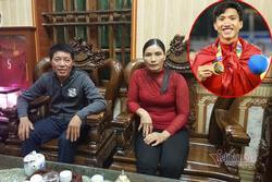 Không được về thăm gia đình, bố mẹ Đoàn Văn Hậu có quyết định lớn giúp con trai xoa dịu nỗi nhớ nhà
