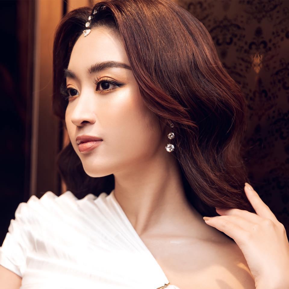 Vừa lỡ tay cắt tóc còn một mẩu, Đỗ Mỹ Linh làm fan bất ngờ với hình ảnh công chúa Ba Tư-1