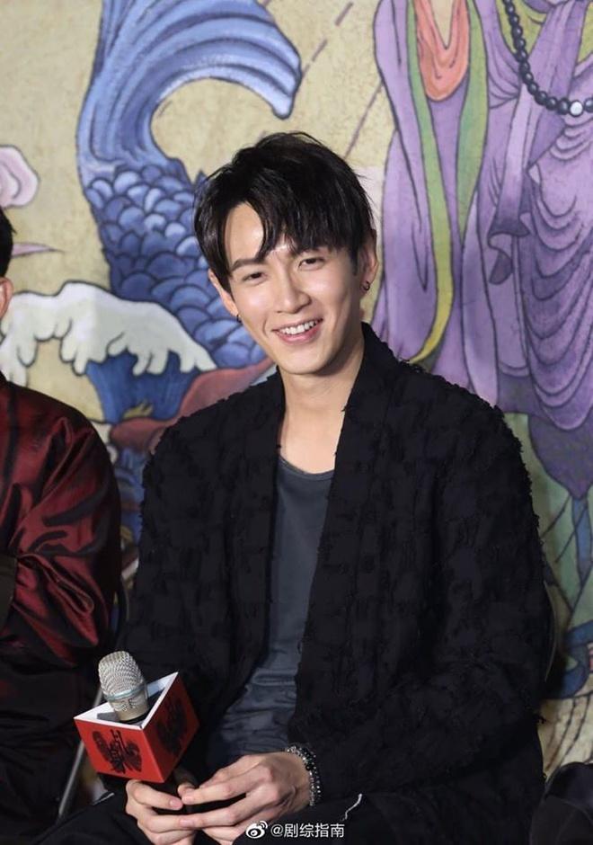 Kha Chấn Đông bị chỉ trích khi quay lại đóng phim-2