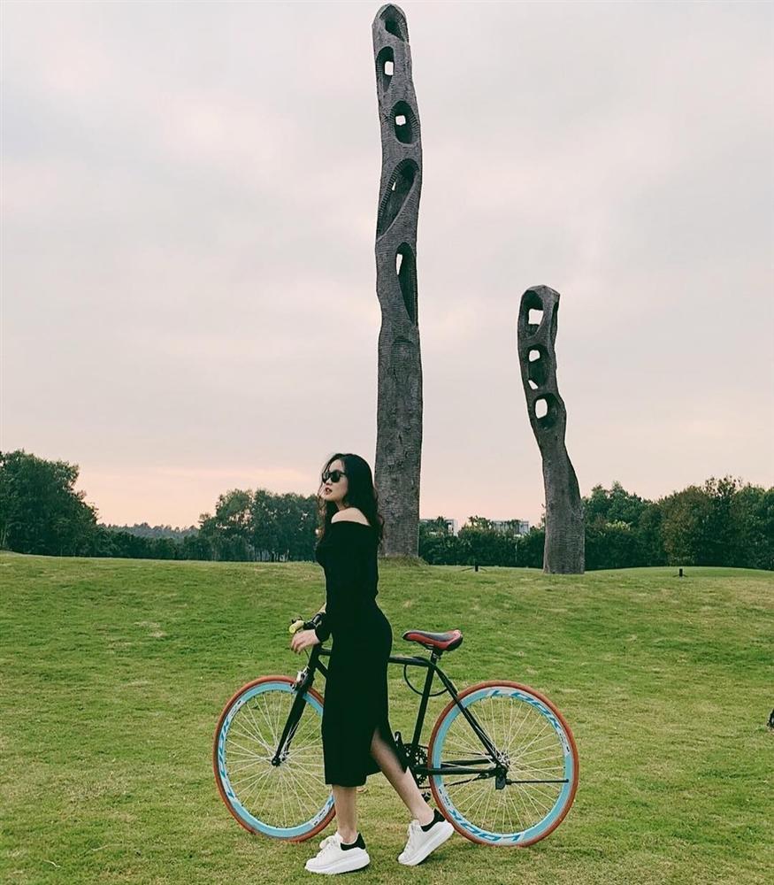 Học bạn gái Văn Hậu cách tạo dáng khi chụp ảnh du lịch-8