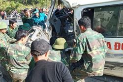 Vụ xe chở đoàn từ thiện đâm vào vách đá: Thêm 1 người tử vong