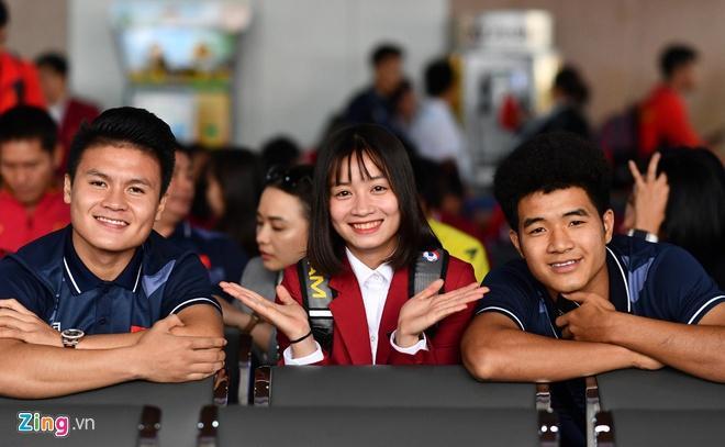 Hoàng Thị Loan: Cầu thủ nữ cũng cần chăm sóc bản thân thật xinh đẹp-2