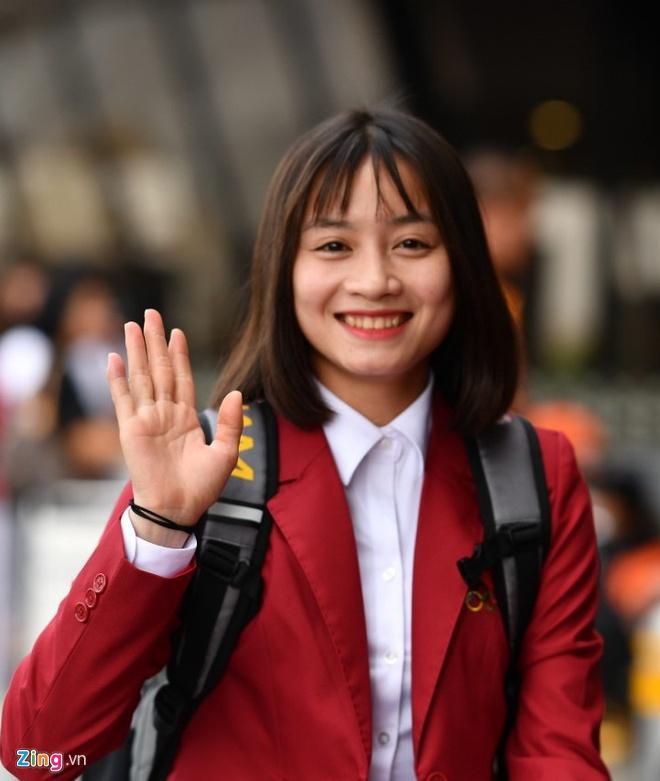 Hoàng Thị Loan: Cầu thủ nữ cũng cần chăm sóc bản thân thật xinh đẹp-3