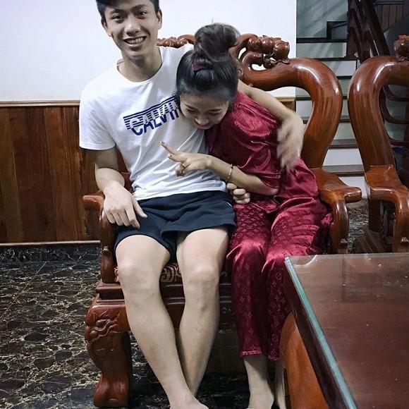 Chính thức lộ ảnh cưới của Phan Văn Đức, cô dâu quá đỗi xinh đẹp nhưng sao chú rể vẫn giấu mặt thế kia-3