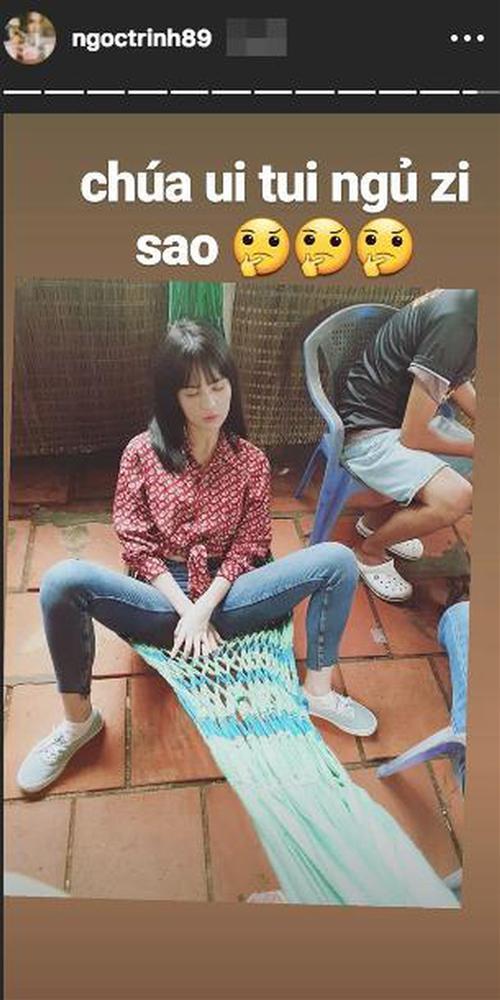 Ngọc Trinh lại tự phá giá với dáng ngồi trên Thái Lan, dưới miền Tây-4