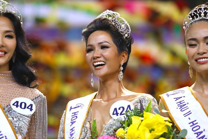 4 Hoa hậu Hoàn vũ Việt Nam trong lịch sử: Ai sở hữu mặt mộc xuất sắc nhất?-9