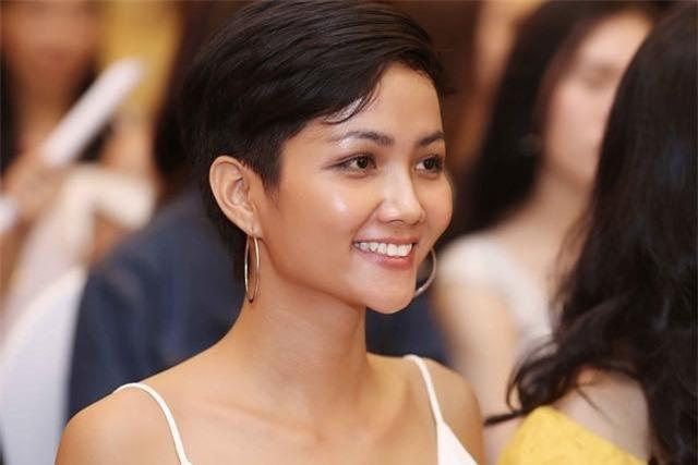 4 Hoa hậu Hoàn vũ Việt Nam trong lịch sử: Ai sở hữu mặt mộc xuất sắc nhất?-10