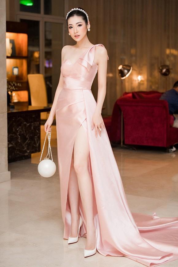 Nhã Phương cùng 2 nữ hoàng Ngọc Trinh - Angela Phương Trinh lên đồ thảm đỏ đẹp nhất tuần qua-3