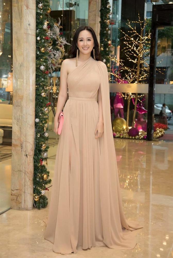Nhã Phương cùng 2 nữ hoàng Ngọc Trinh - Angela Phương Trinh lên đồ thảm đỏ đẹp nhất tuần qua-10