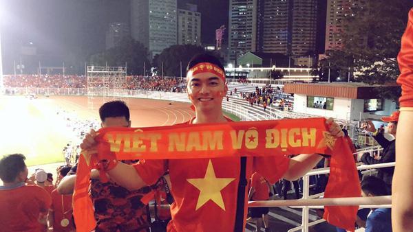 Lộ quá khứ bất ngờ của phi công lái chuyến bay đưa U22 Việt Nam về nước-1
