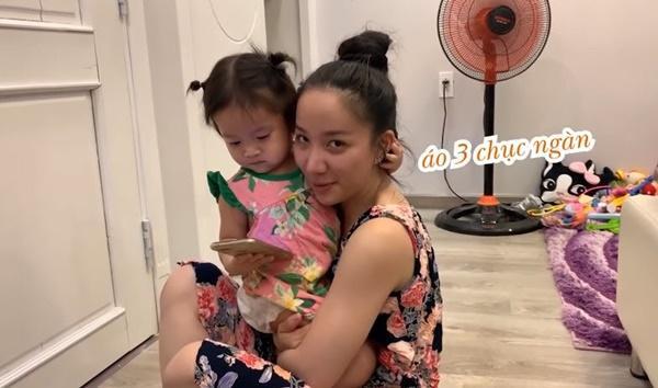 Lần đầu chơi sang mua giày trẻ con 849.000 về con không chịu đi, Lê Dương Bảo Lâm rụng rời-4