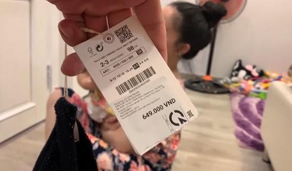Lần đầu chơi sang mua giày trẻ con 849.000 về con không chịu đi, Lê Dương Bảo Lâm rụng rời-5