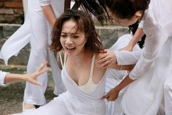 Những chiêu trò quảng bá ồn ào, phản cảm của điện ảnh Việt-7