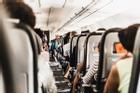 6 điều nên làm khi đặt vé máy bay cận Tết