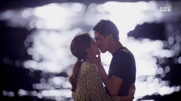 10 cảnh hôn hấp dẫn nhất màn ảnh Hàn thập kỷ qua-5