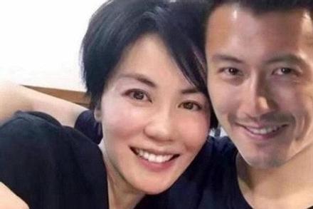 Dù đã 50 tuổi nhưng Vương Phi lại muốn có con để níu giữ tình trẻ kém 11 tuổi Tạ Đình Phong?