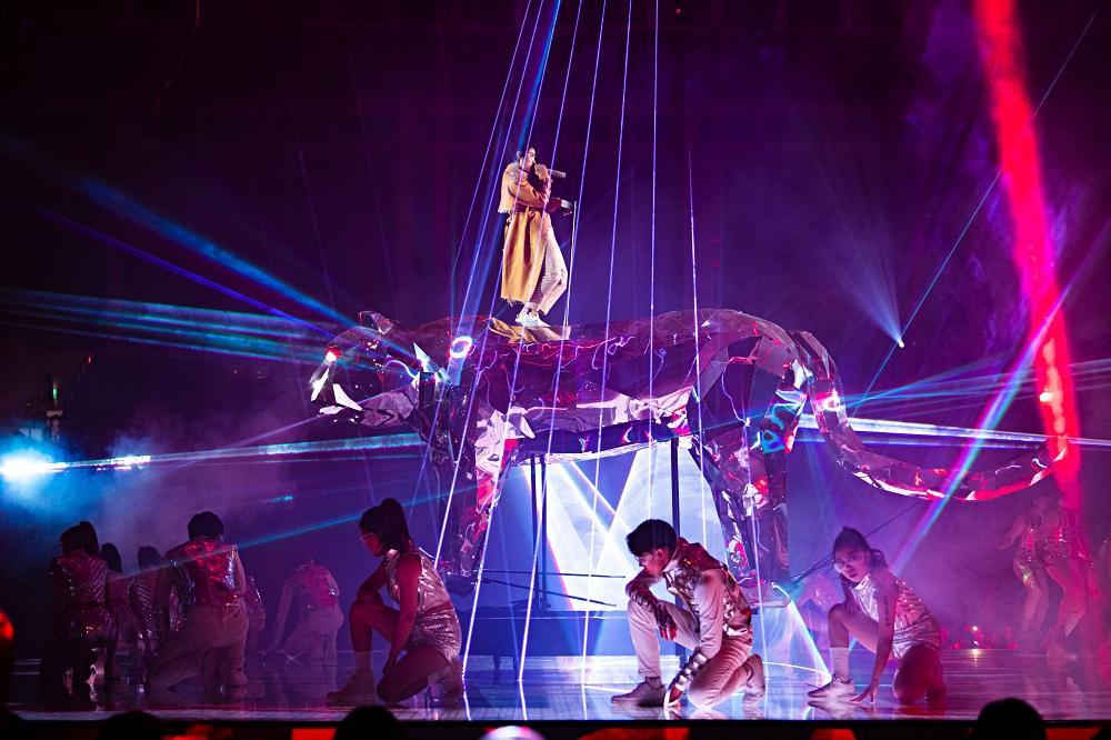 Concert Vũ Cát Tường: Chủ nhân ngã lộn ai nấy hết hồn, Diệu Nhi - Khả Như quẩy tung nóc-2