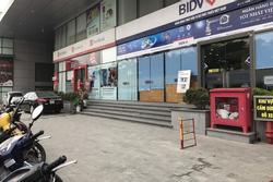 Người phụ nữ bàng hoàng sau khi bị đấm liên tiếp giữa phố Hà Nội: 'Hành vi của nam bảo vệ quá côn đồ, tôi cũng là người có ăn học, không tự nhiên đi gây sự'