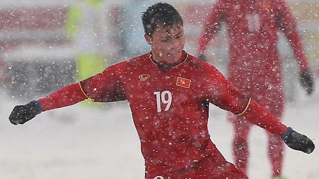 Đang tập trung chuẩn bị cho giải U23 châu Á, Quang Hải nhận ngay quà đặc biệt từ người hâm mộ quê nhà-1