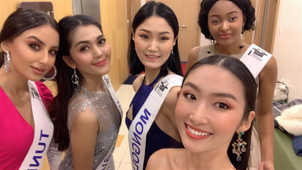 Đi thi trong lặng lẽ, Thanh Khoa bất ngờ đăng quang Hoa hậu Sinh viên Thế giới 2019-4