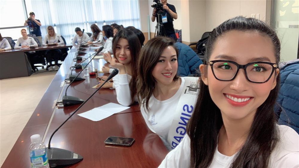 Đi thi trong lặng lẽ, Thanh Khoa bất ngờ đăng quang Hoa hậu Sinh viên Thế giới 2019-8