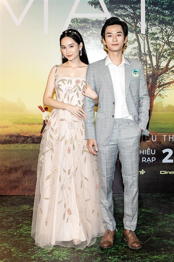 Phan Mạnh Quỳnh hát Có chàng trai viết lên cây tại họp báo phim Mắt Biếc-5