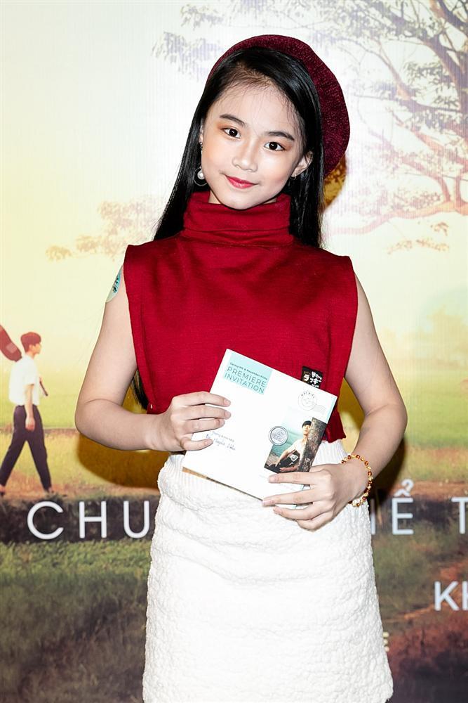 Phan Mạnh Quỳnh hát Có chàng trai viết lên cây tại họp báo phim Mắt Biếc-12