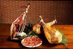 Đùi lợn muối đắt nhất thế giới được chế biến thế nào?