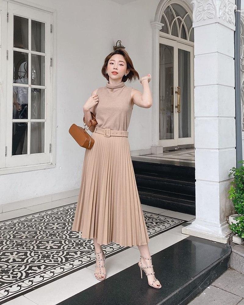 toc-tien Huyền Baby mặc quần như không ra phố, Hương Giang gầy gò