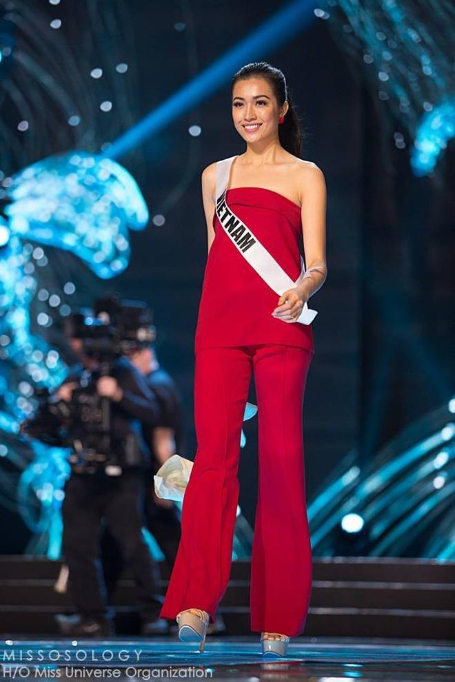 Hoàng Thùy và Lệ Hằng quên mặc áo dài tại Hoa hậu Hoàn vũ-2