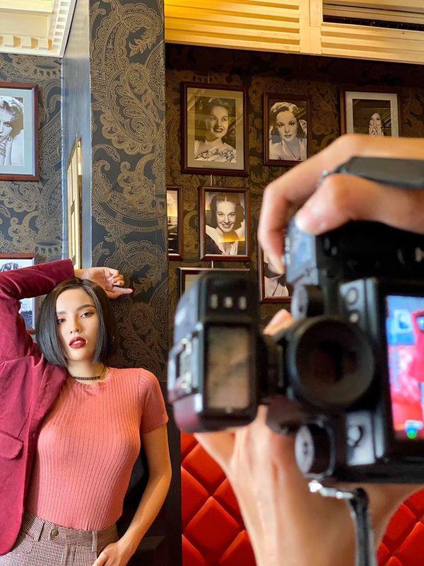 SAO MAKE OVER: Hoa hậu Khánh Vân - HHen Niê mất điểm vì phong cách trang điểm già chát, không hợp mặt-8