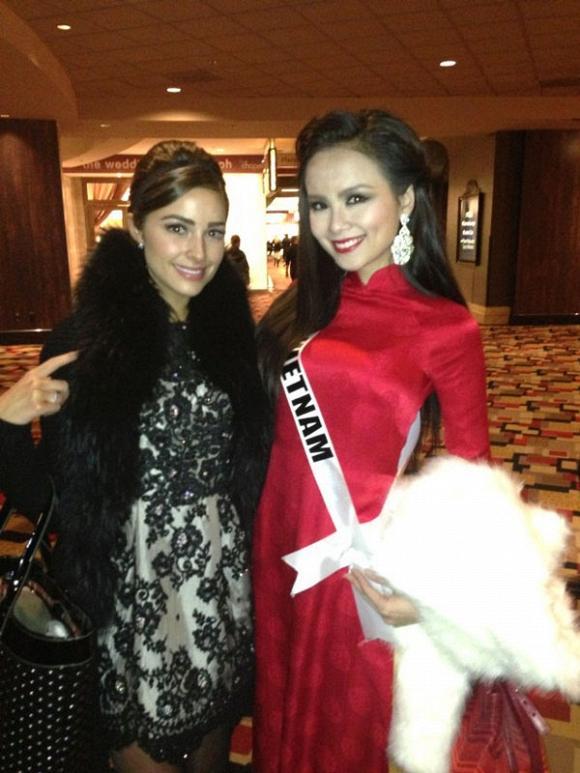 Hoàng Thùy và Lệ Hằng quên mặc áo dài tại Hoa hậu Hoàn vũ-10