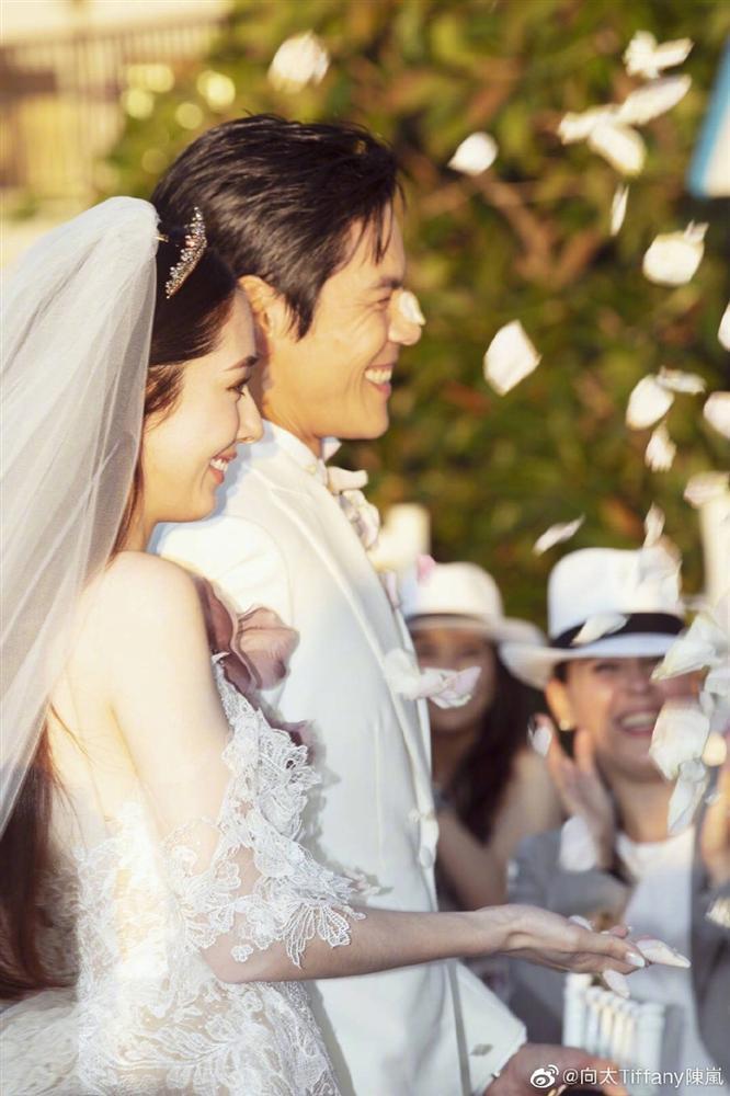 Những đám cưới hot nhất Cbiz năm 2019: Người xa hoa bạc tỷ, kẻ giản dị bất ngờ-16