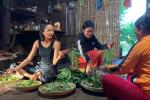 'Đột nhập' nhà sàn xem hoa hậu H'Hen Niê tự tay nấu những món ngon Ê Đê đãi khách
