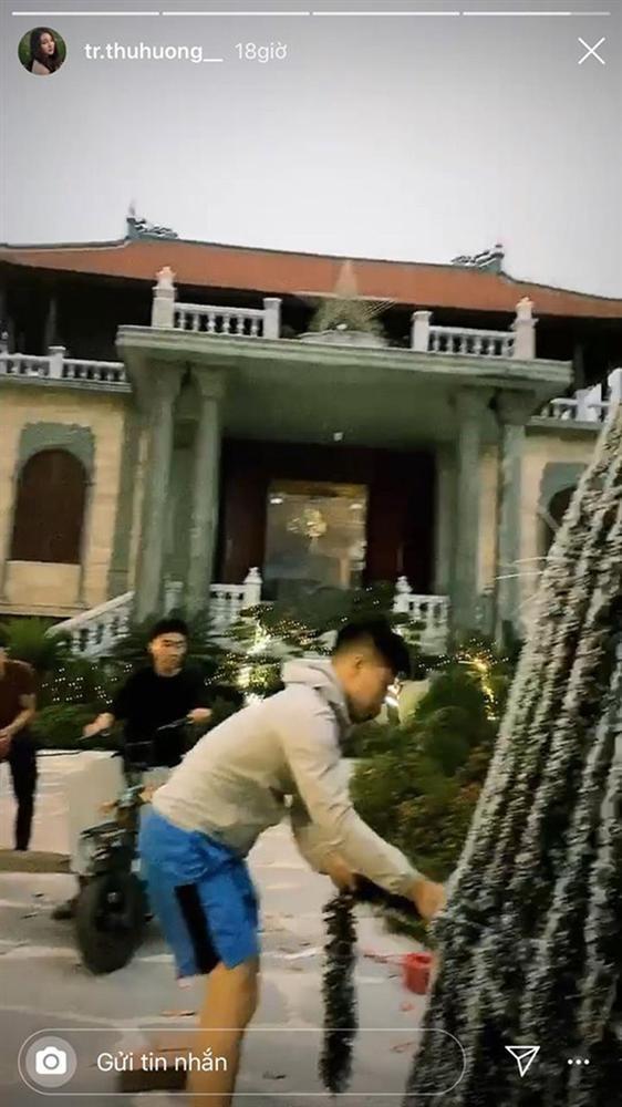 Khoe ảnh đón Giáng sinh, cô dâu 200 cây vàng ở Nam Định làm ai cũng xuýt xoa khi ở trong biệt phủ siêu đẹp-6