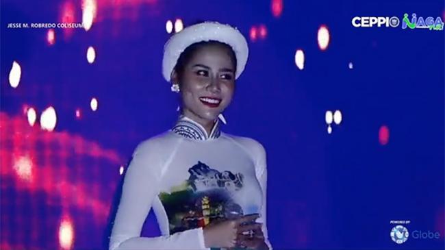 Hoàng Hạnh tung clip hát chay Tàu anh qua núi, dân mạng ngán ngẩm vì đã hát dở còn quên mặc nội y-2