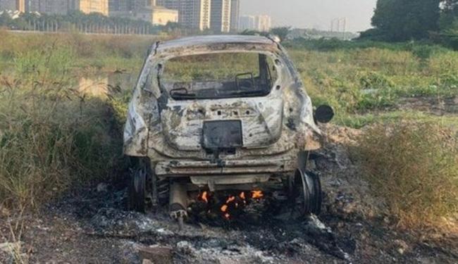 1 phụ nữ ngoại quốc tử vong, 2 người nguy kịch nghi là nạn nhân vụ giết người, đốt xe ô tô phi tang tại TP.HCM-1