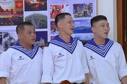 Tam ca Huy Khánh - B Trần - La Thành hợp sức dùng 'tiếng hát át tiếng bom'