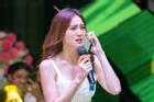 Diễn lại cảnh phim 'Cua Lại Vợ Bầu', Ninh Dương Lan Ngọc gặp sự cố hài hước